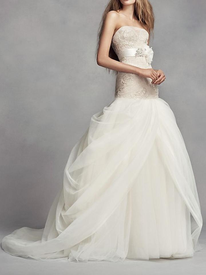 14 chic wedding dresses for petite women for Best wedding dresses for petites