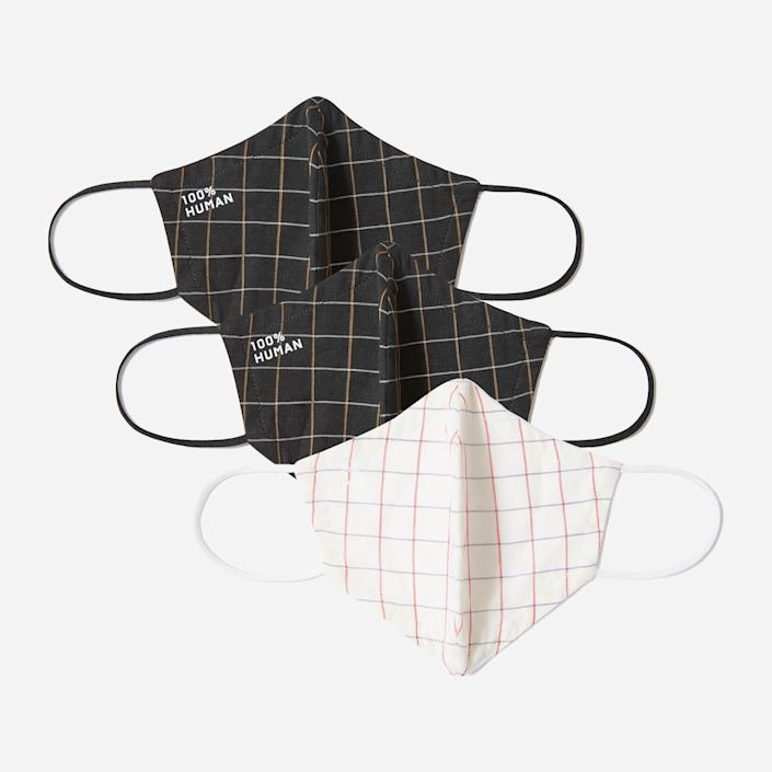 """<h2>Everlane 100% Human Face Mask 3-Pack</h2><br>It's important for masks to be both breathable and washable — it's been <a href=""""https://www.cdc.gov/coronavirus/2019-ncov/prevent-getting-sick/about-face-coverings.html"""" rel=""""nofollow noopener"""" target=""""_blank"""" data-ylk=""""slk:said"""" class=""""link rapid-noclick-resp"""">said</a> that single-layer masks, such as neck gaiters and bandanas are less protective, and Everlane's iteration is made from double-layered woven fabric. <br><br><strong><em><a href=""""https://www.everlane.com/collections/face-masks"""" rel=""""nofollow noopener"""" target=""""_blank"""" data-ylk=""""slk:Shop Everlane"""" class=""""link rapid-noclick-resp"""">Shop Everlane</a></em></strong><br><br><strong>Everlane</strong> The 100% Human Face Mask 3-Pack, $, available at <a href=""""https://go.skimresources.com/?id=30283X879131&url=https%3A%2F%2Ffave.co%2F3llEPqN"""" rel=""""nofollow noopener"""" target=""""_blank"""" data-ylk=""""slk:Everlane"""" class=""""link rapid-noclick-resp"""">Everlane</a>"""