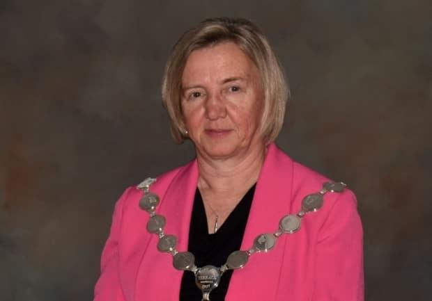 Mayor Carol Leclerc says she has asked her council to consider inviting an ombudsperson to investigate its conduct, following the resignation of Coun. Jessica McCallum-Miller, who says she felt unsupported by her colleagues. (City of Terrace - image credit)