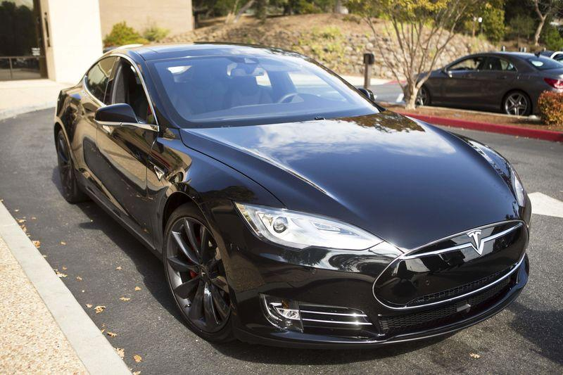 A Tesla Model S with version 7.0 software update containing Autopilot features is seen during a Tesla event in Palo Alto