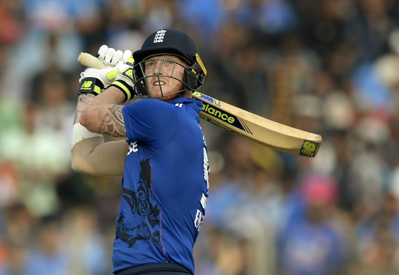 <p>England all-rounder Ben Stokes (base price Rs 2 crore) commanded the biggest bid at the ongoing IPL auction as Rising Pune Supergiants shelled out a whopping Rs 14.5 crore for him. </p>