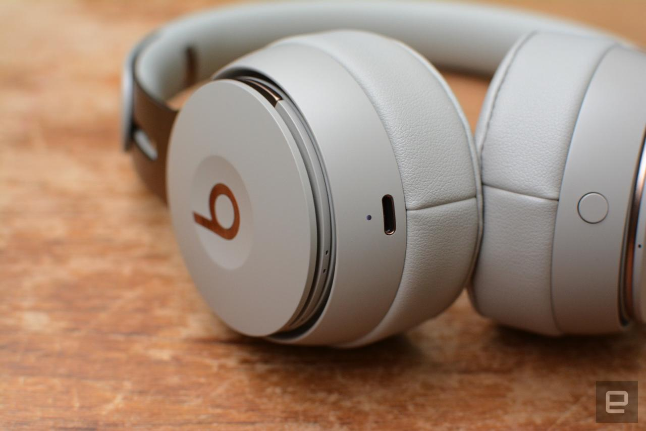 Beats trades comfort for solid noise cancellation on its best headphones yet, but the handy features might convince you to give them a try anyway.