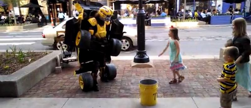 Human Transformer Wins Street Performing [VIDEO]