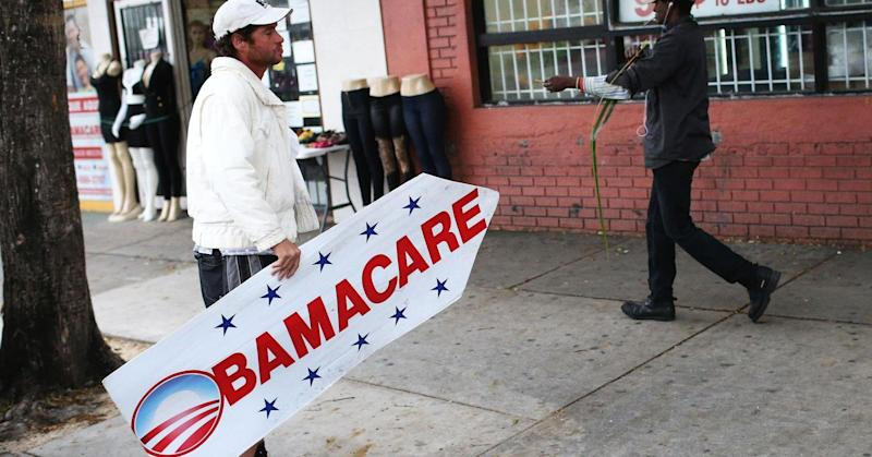 Tax forms show fewer people hit with Obamacare tax penalty, more got Obamacare aid