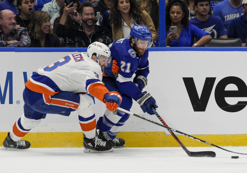 Tampa Bay Lightning forward Brayden Point is a master of evading defenders in tight spaces. (Andrew Bershaw/Icon Sportswire via Getty Images)