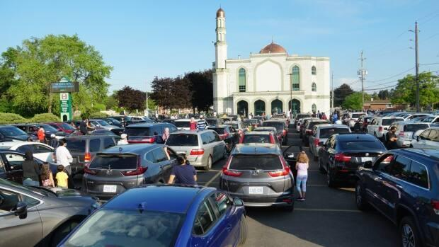 Windsor Mosque held a drive-in event following the killing of four family members in London in what police say was a hate-motivated attack. (Chris Ensing/CBC - image credit)