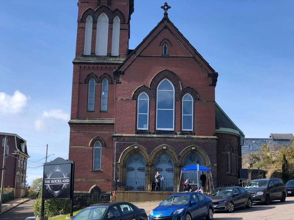 A large congregation gathered on Sunday at His Tabernacle Family Church, which was served a fine last week for failing to abide by the province's emergency orders. (Gary Moore/CBC - image credit)