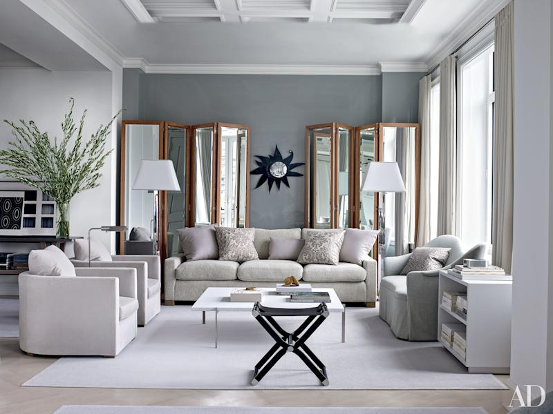 benjamin moore reveals its 2019 color of the year. Black Bedroom Furniture Sets. Home Design Ideas