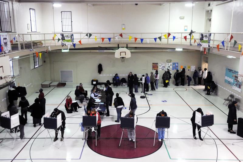 For all the worries, long lines biggest poll issue