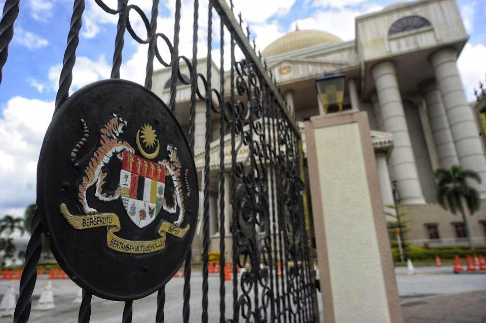 According to a report, the striking-out bid was done at the Kuala Lumpur High Court Registry on August 7 through law firm Messrs AmerBon. — Picture by Shafwan Zaidon