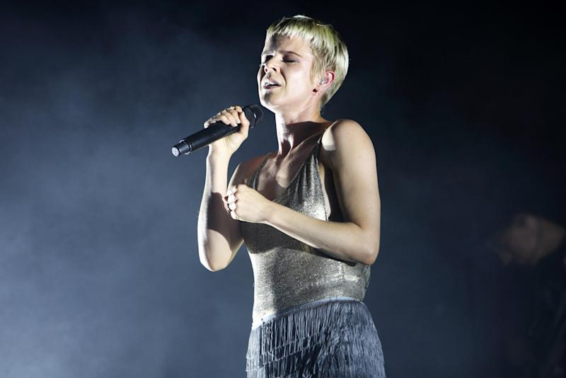 Robyn Reunited With Girls Last Night to Tease Her New Song