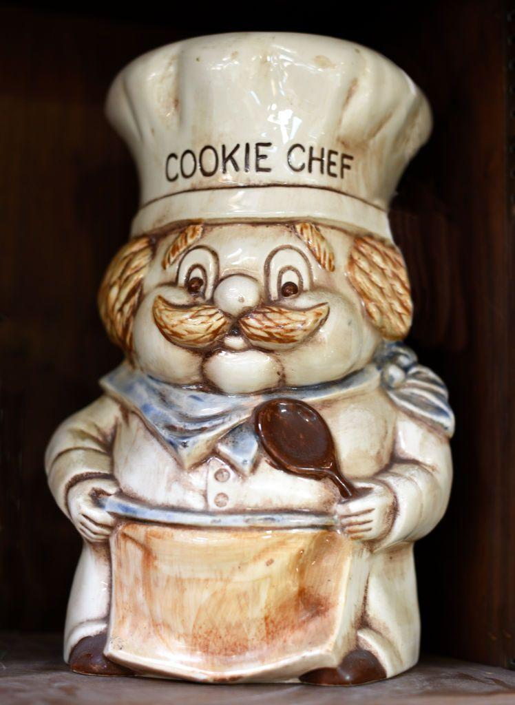 """<p>Often as sweet and appealing as the treats they hold, <a href=""""https://www.collectorsweekly.com/kitchen/cookie-jars"""" rel=""""nofollow noopener"""" target=""""_blank"""" data-ylk=""""slk:decorative cookie jars"""" class=""""link rapid-noclick-resp"""">decorative cookie jars</a> date back to the 1930s. Look for manufacturers including American Bisque, McCoy Pottery, and McKee Glass Company for some of the oldest, and most sought-after examples, which can sell for for more than $600.</p>"""