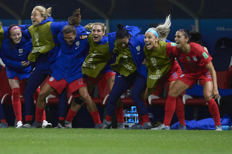 REIMS, FRANCE - JUNE 11: Alex Morgan of USA celebrates after scoring her team's twelfth goal with his teammates during the 2019 FIFA Women's World Cup France group F match between USA and Thailand at Stade Auguste Delaune on June 11, 2019 in Reims, France. (Photo by Quality Sport Images/Getty Images)