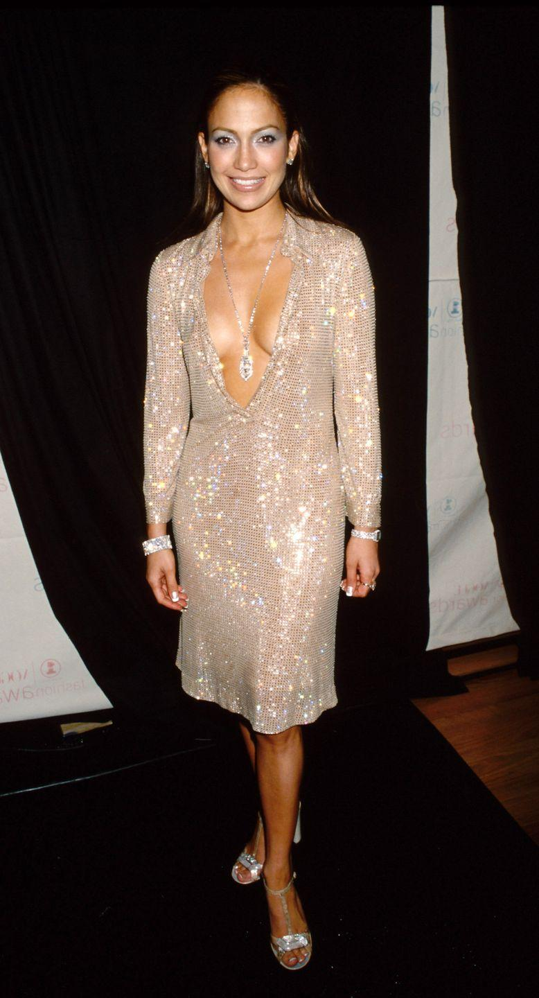 <p>Jennifer loves herself some sparkles. Case in point: this long-sleeve bedazzled dress with a majorly shiny pendant necklace at the VH1 Vogue Fashion Awards.</p>