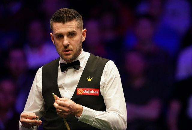 Mark Selby is closing in on a semi-final spot