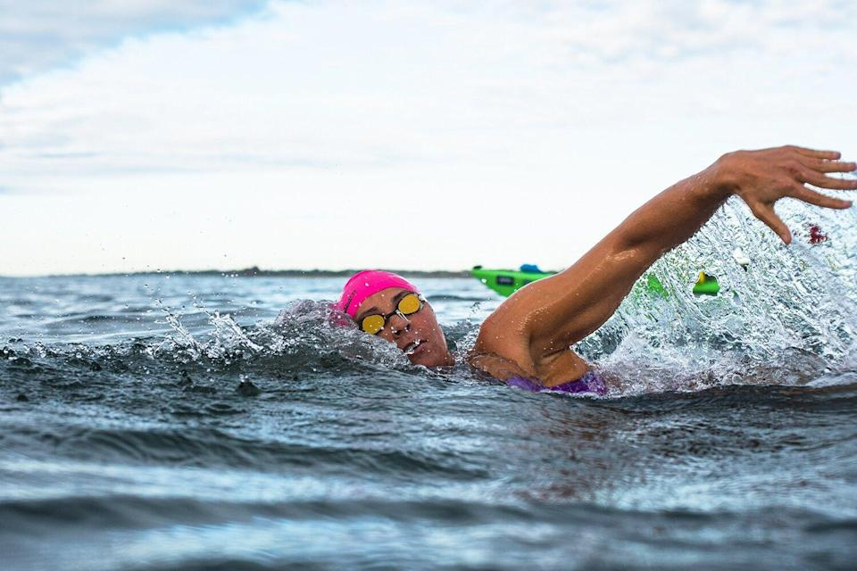 Elizabeth Beisel Becomes 1st Woman to Complete Historic Swim to Block Island