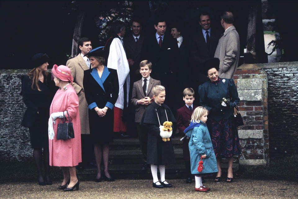 <p>It was a year of big shoulders (for Sarah, Duchess of York, and Princess Diana), lots of cousins (Peter and Zara Phillips and Prince William, and Princess Beatrice were all present) and serious accessories (incredible hats all around, including on the Queen Mother and Princess Margaret, as well as Zara's teddy bear necklace).</p>
