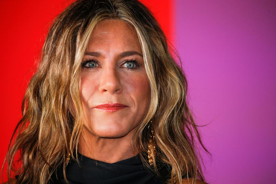 Jennifer Aniston arrives to the global premiere for Apple's