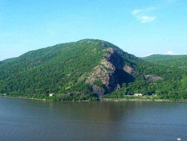 hudson valley breakneck ridge
