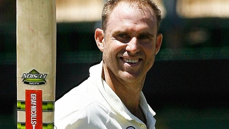 Matthew Hayden fractures spine while surfing and admits