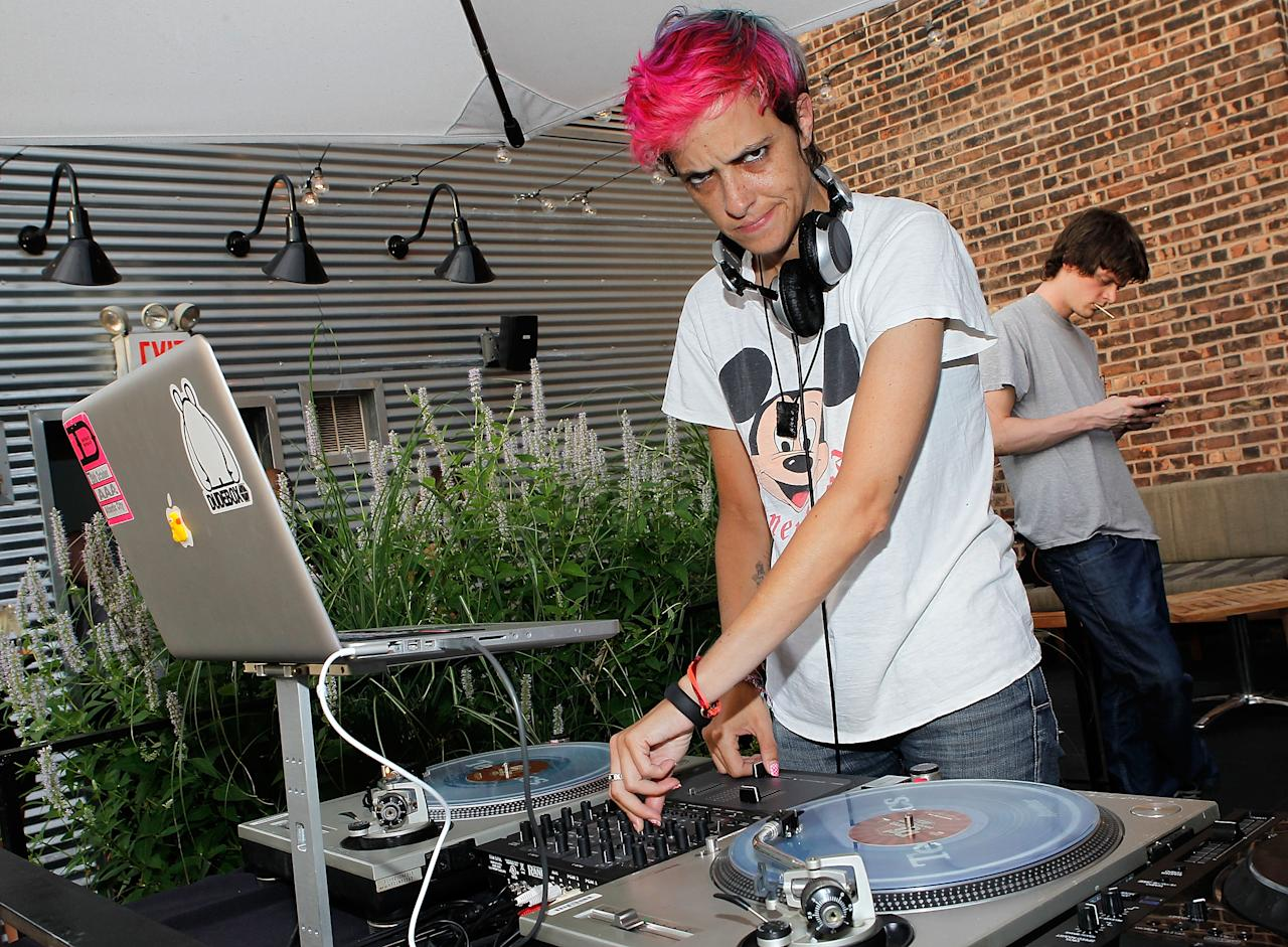 """NEW YORK, NY - JULY 10:  DJ Samantha Ronson performs during the launch of """"Find Your Facemate"""" at STK on July 10, 2012 in New York City.  (Photo by Jemal Countess/Getty Images for FaceMate)"""
