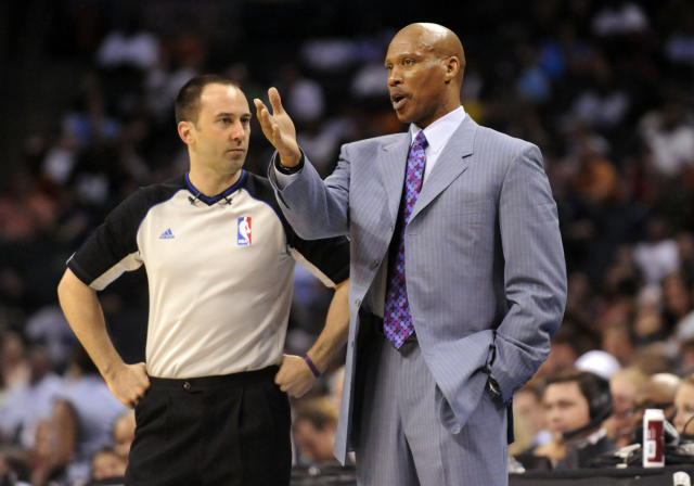 Source: Lakers offer coaching job to Byron Scott