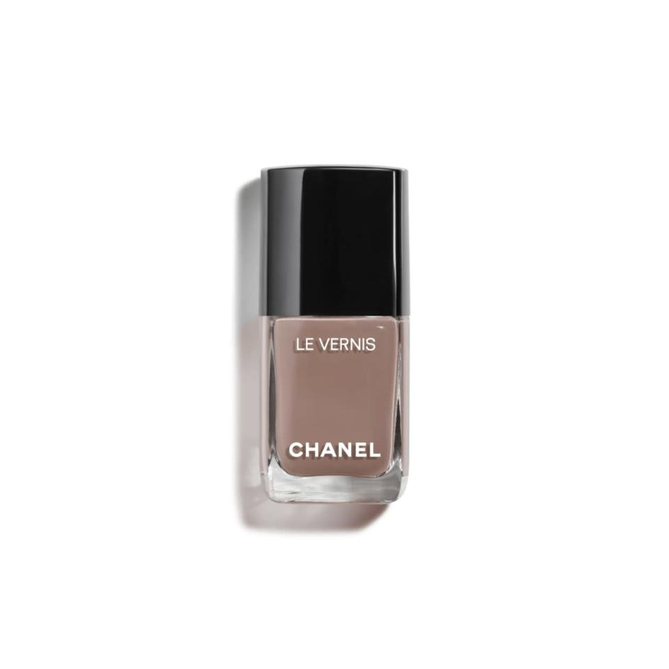 "<p>Caramel nail polish is not only super scrumptious and yummy looking, but it'll prove to be the most divine complement for your sensual senses. It's the perfect add-on to the simple, no fuss attitude you give off when it comes to showing off your fabulousness and final-days-of-summer glow this month.</p> <p><strong>To shop:</strong> $28; <a href=""https://click.linksynergy.com/deeplink?id=93xLBvPhAeE&mid=39938&murl=https%3A%2F%2Fwww.chanel.com%2Fus%2Fmakeup%2Fp%2F159008%2Fle-vernis-longwear-nail-colour%2F&u1=ISHereAretheNailColorsEachSignShouldWearforVirgoSeasonkgreavesBeaGal4446868202008I"" rel=""nofollow noopener"" target=""_blank"" data-ylk=""slk:chanel.com"" class=""link rapid-noclick-resp"">chanel.com</a></p>"