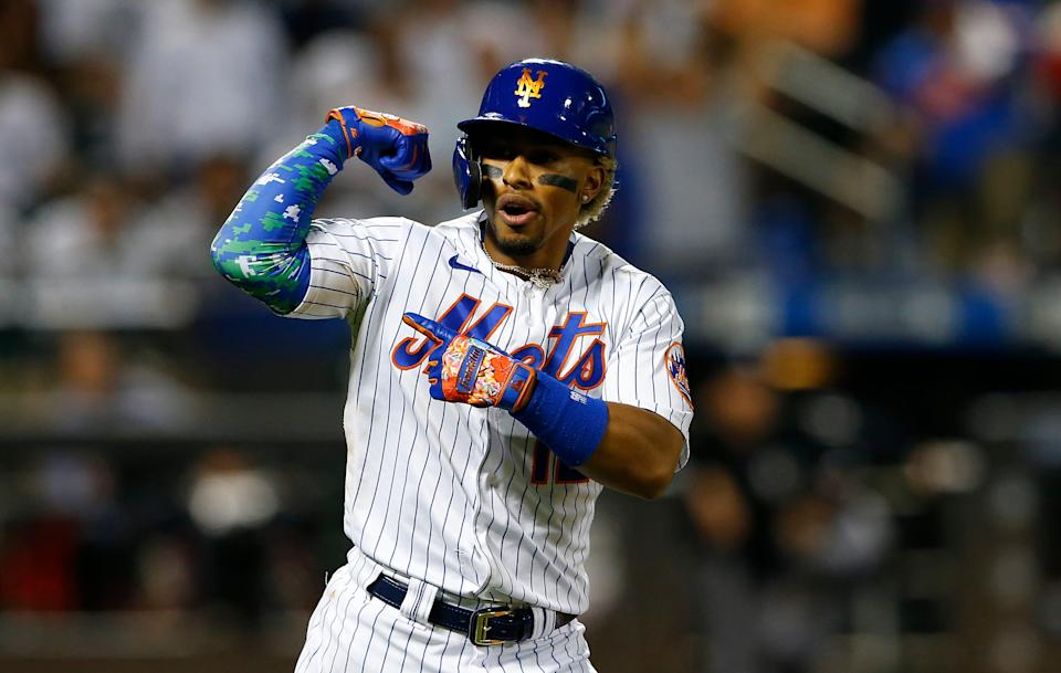Mets shortstop reacts in the eighth inning after hitting his third home run against the Yankees in a 7-6 win.