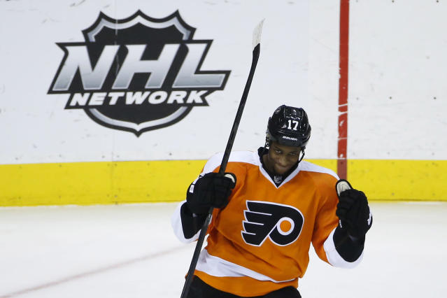 Philadelphia Flyers' Wayne Simmonds celebrates after scoring a goal during the third period of an NHL hockey game against the Dallas Stars, Thursday, March 20, 2014, in Philadelphia. Philadelphia won 4-2. (AP Photo/Matt Slocum)