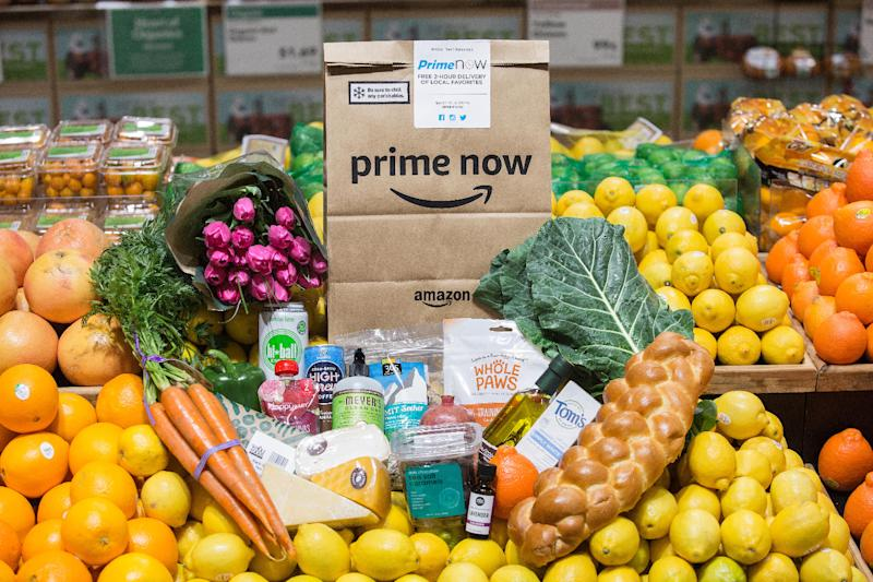 Grocery delivery startup Instacart raises $200 mln and prepares to battle Amazon