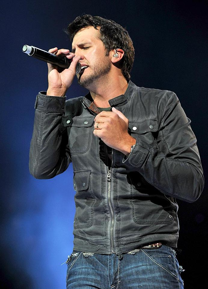 """Continuing the trend of country stars leaving the overalls and straw hat look behind in favor of more urban ensembles was the Academy of Country Music's Top New Artist, Luke Bryan. Fred Breedon/Nashville Rising/<a href=""""http://www.gettyimages.com/"""" target=""""new"""">GettyImages.com</a> - June 22, 2010"""
