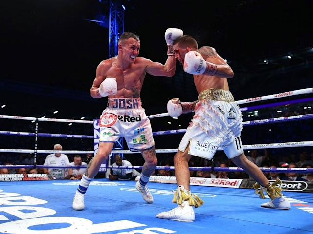 Josh Warrington upsets the odds to beat Lee Selby for IBF featherweight title