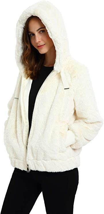 This jacket comes in four different colours. (Image via Amazon)