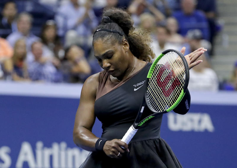 Serena Williams' argues with umpire in final