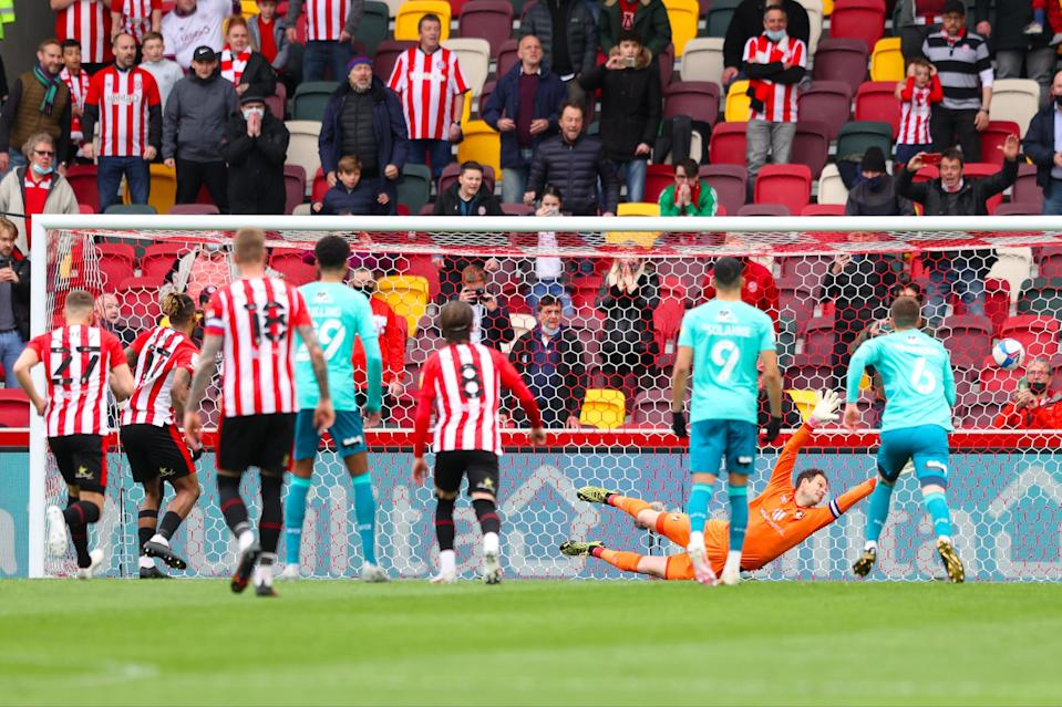 Toney equalises for Brentford from the penalty spotGetty Images