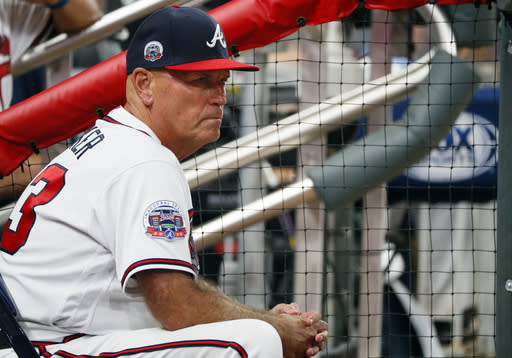 Atlanta Braves give manager Brian Snitker another year
