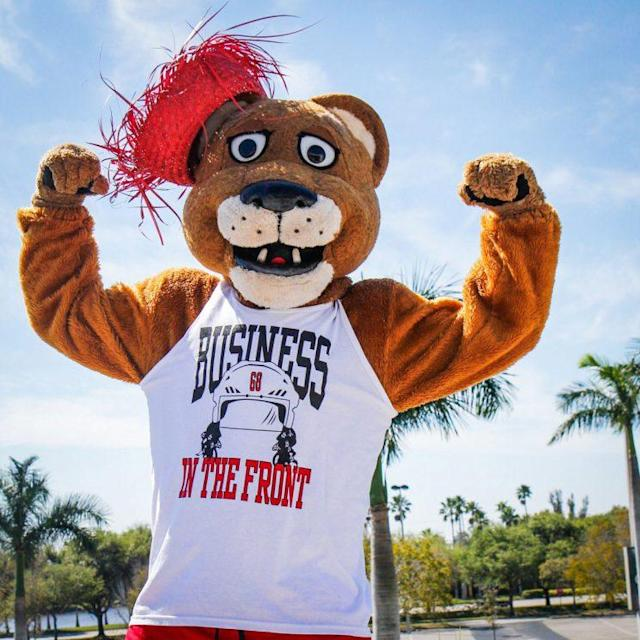 "The Panthers' mascot models a <a class=""link rapid-noclick-resp"" href=""/nhl/players/35/"" data-ylk=""slk:Jaromir Jagr"">Jaromir Jagr</a> tank top. (Florida Panthers)"