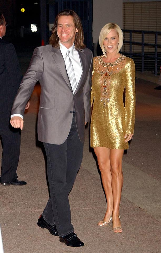 "Odd couple Jim Carrey and Jenny McCarthy look dazzling in metallics. Gregg DeGuire/<a href=""http://www.wireimage.com"" target=""new"">WireImage.com</a> - July 22, 2007"
