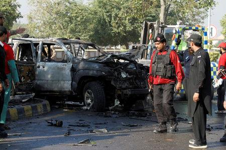 Senior police official martyred four injured in Peshawar blast