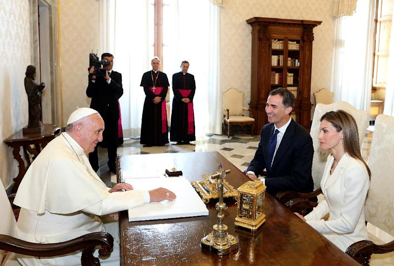 Pope Francis meets Spain's King Felipe VI and Queen Letizia during a private audience at the Vatican on June 30, 2014