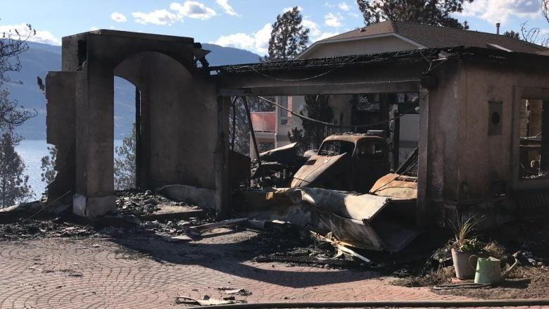8 homes destroyed in wildfire in B.C.'s Lake Country