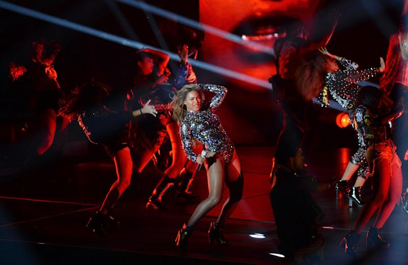 Beyonce performs on stage at the MTV Video Music Awards (VMA), August 24, 2014 at The Forum in Inglewood, California (AFP Photo/Robyn Beck)