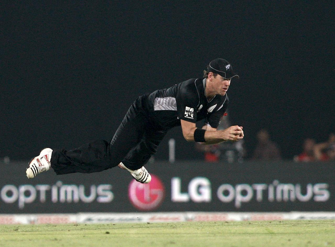 DHAKA, BANGLADESH - MARCH 25:  Jacob Oram of New Zealand takes a catch to dismiss Dale Steyn of South Africa  during 2011 ICC World Cup Quarter-Final match between New Zealand and South Africa at Shere-e-Bangla National Stadium on March 25, 2011 in Dhaka, Bangladesh.  (Photo by Graham Crouch/Getty Images)
