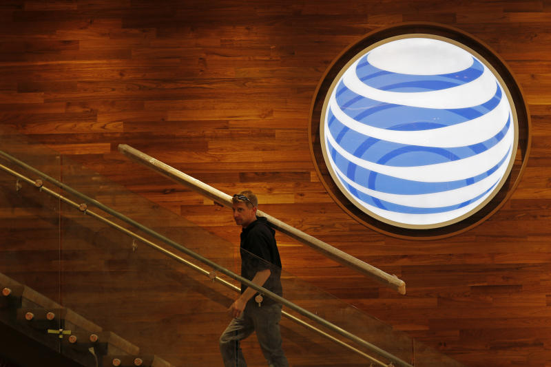 Verizon Considering Topping AT&T's Bid to Buy Straight Path