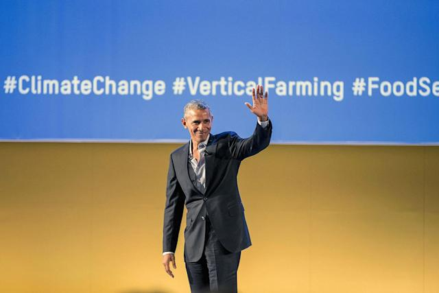 <p>Former US President Barack Obama thanks the audience during the Seeds&Chips Global Food Innovation Summit on May 9, 2017 in Milan, Italy. (Photo: Pier Marco Tacca/Getty Images) </p>