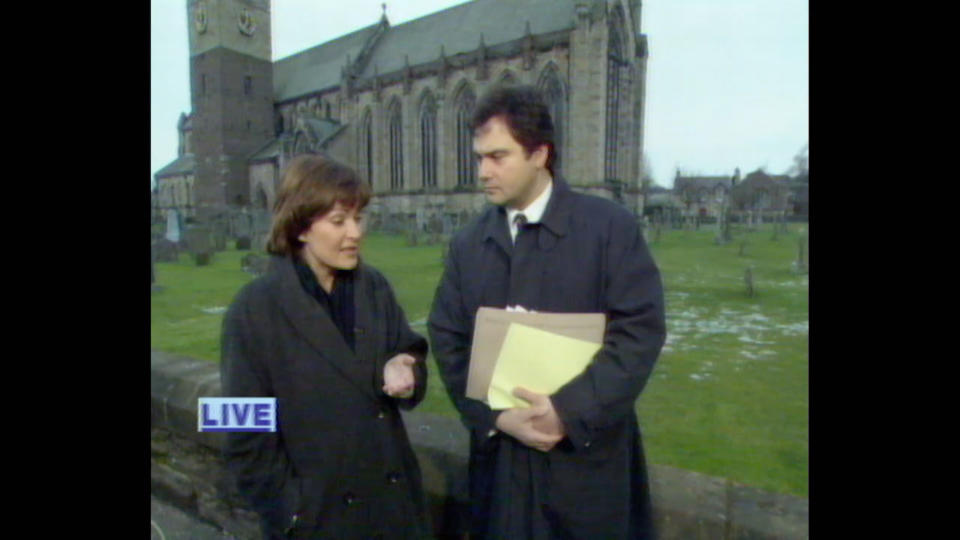 Lorraine Kelly and Eamonn Holmes presenting GMTV live from Dunblane Cathedral the day after the shootings. (Alaska TV/ITV)