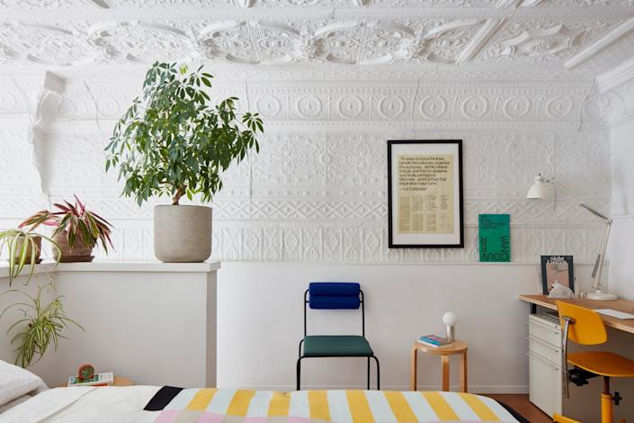 """<cite class=""""credit""""><a href=""""https://www.architecturaldigest.com/story/in-a-former-italian-restaurant-sophie-lou-jacobsen-crafted-an-eclectic-apartment?mbid=synd_yahoo_rss"""" rel=""""nofollow noopener"""" target=""""_blank"""" data-ylk=""""slk:In a Former Italian Restaurant, Sophie Lou Jacobsen Crafted an Eclectic Apartment"""" class=""""link rapid-noclick-resp"""">In a Former Italian Restaurant, Sophie Lou Jacobsen Crafted an Eclectic Apartment</a>. William Geddes</cite>"""