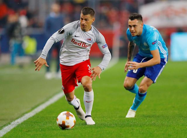Soccer Football - Europa League Semi Final Second Leg - RB Salzburg v Olympique de Marseille - Red Bull Arena, Salzburg, Austria - May 3, 2018 RB Salzburg's Stefan Lainer in action with Marseille's Lucas Ocampos REUTERS/Leonhard Foeger