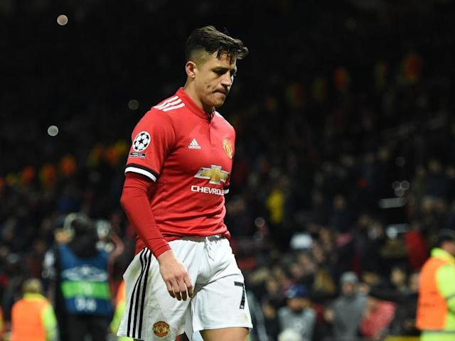 Manchester United should drop Alexis Sanchez if new signing continues to struggle, says Paul Scholes