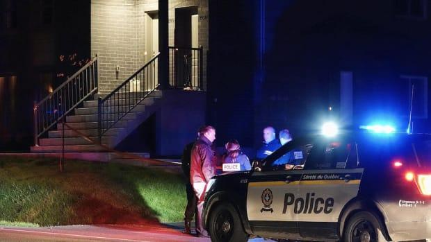 Police went to a Sainte-Julienne home after reports of an assault around 7:45 p.m.  (Stéphane Grégoire / Radio-Canada - image credit)